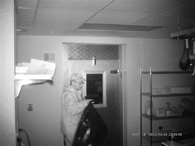 Christopher Knight, surprins de o cameră de supraveghere | FOTO: Profimedia